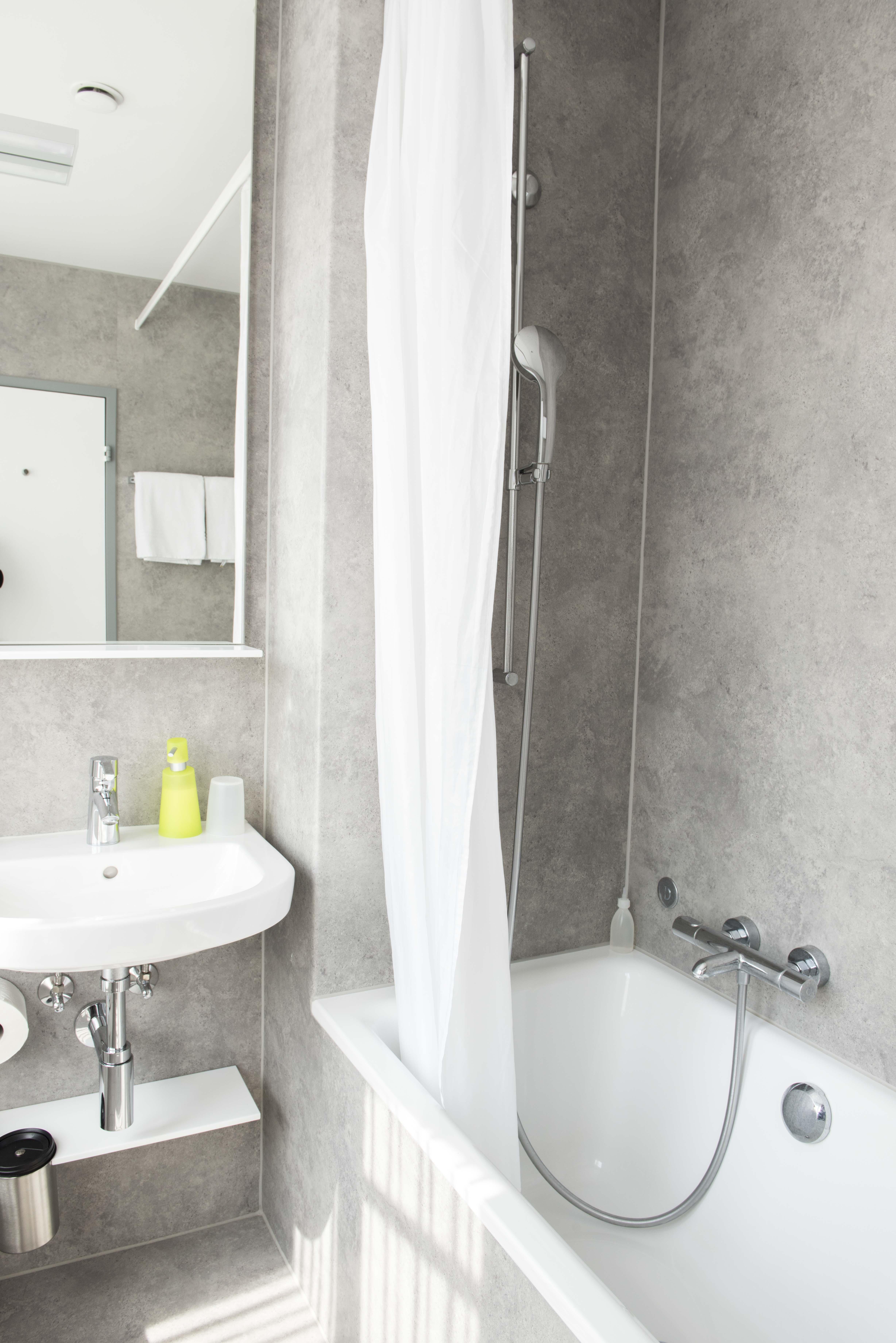 Salle de bain, baignoire WC